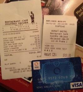 Как расплачиваться электронными деньгами не только в интернете, но и в реальных магазинах?