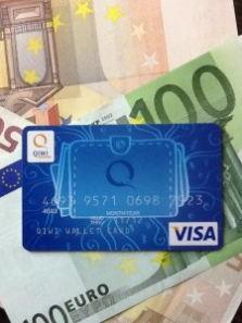 Расчеты по банковским картам превысили снятие наличных в банкоматах