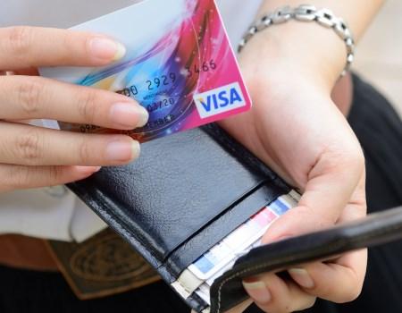 Уловки мошенников, ворующих деньги с банковских карт